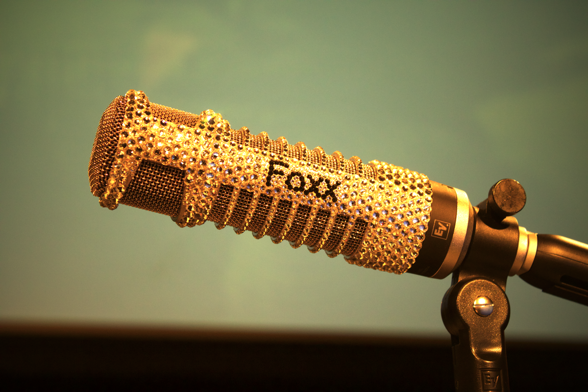 Dave Foxx golden microphone